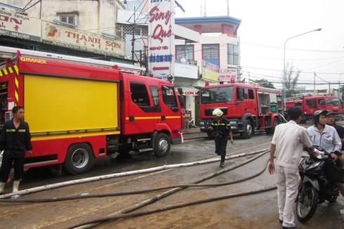 Cháy đùng đùng xưởng sản xuất mạch nha