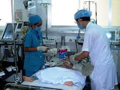 Lọc máu liên tục: `Khắc tinh` của bệnh tay - chân - miệng