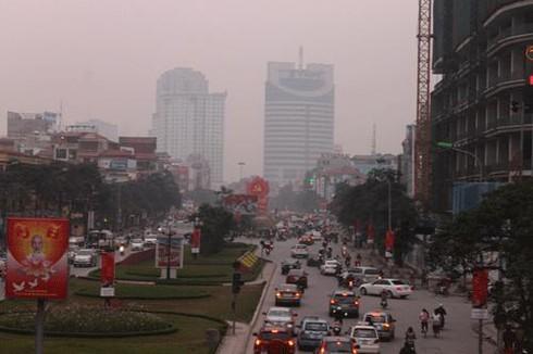 Cận cảnh giao thông Hà Nội trước và sau đổi giờ