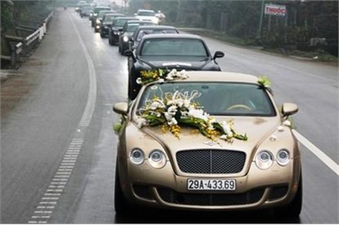`Siêu đám cưới`: Nhóm quí tộc kinh tế muốn khẳng định đẳng cấp!