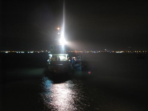 Đà Nẵng: Cứu tàu cá cùng 8 ngư dân bị nạn trên biển