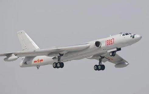 Trung Quốc: Máy bay ném bom H-6 nguy hiểm hơn Liêu Ninh - ảnh 1