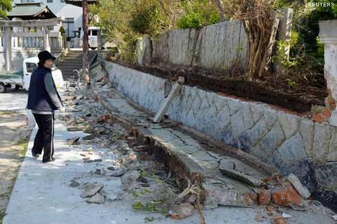 Nhật Bản: Động đất 6,8 độ richter, cảnh báo nguy cơ sóng thần - ảnh 1