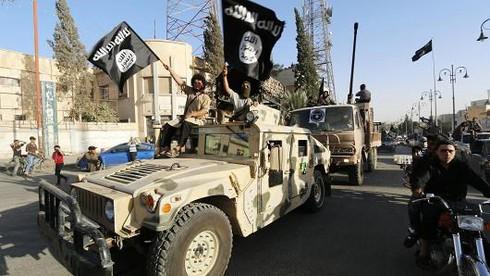 Tin thế giới 18h30: Tập trung chống IS, Mỹ dừng tuần tra trên Biển Đông - ảnh 3