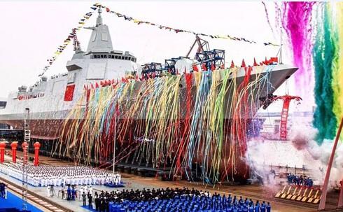 Chiến hạm khủng Type 055 mới hạ thủy của Trung Quốc