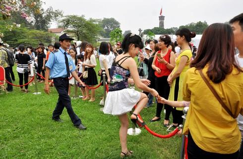 Shop TIN 18/4: Văn tế Vua Hùng - Người Nhật sau động đất - Rác ngày Đại lễ - ảnh 9