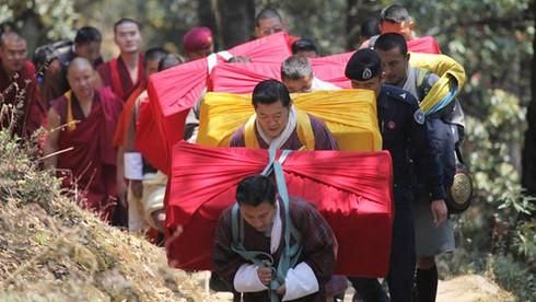 Shop TIN 18/4: Văn tế Vua Hùng - Người Nhật sau động đất - Rác ngày Đại lễ - ảnh 13