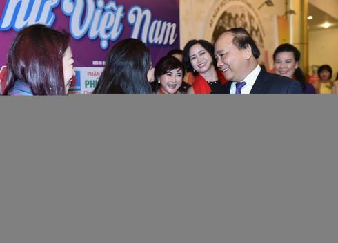 Thủ tướng đối thoại với đại biểu phụ nữ Việt Nam - ảnh 3