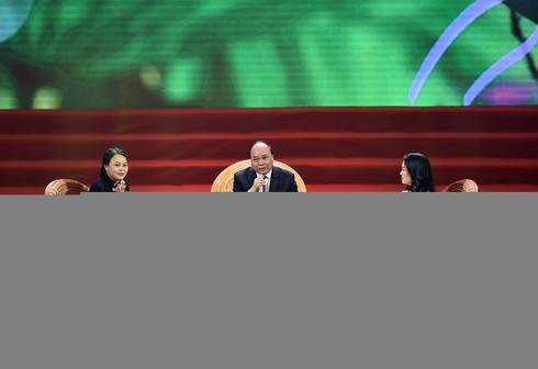 Thủ tướng đối thoại với đại biểu phụ nữ Việt Nam - ảnh 7