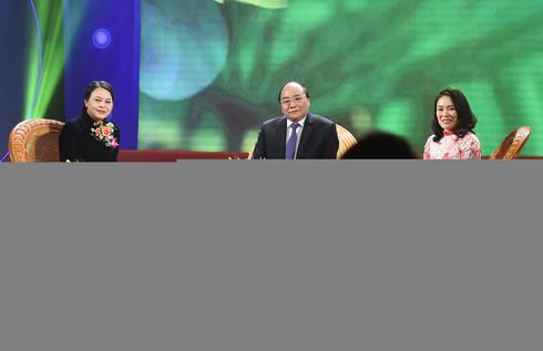 Thủ tướng đối thoại với đại biểu phụ nữ Việt Nam - ảnh 8