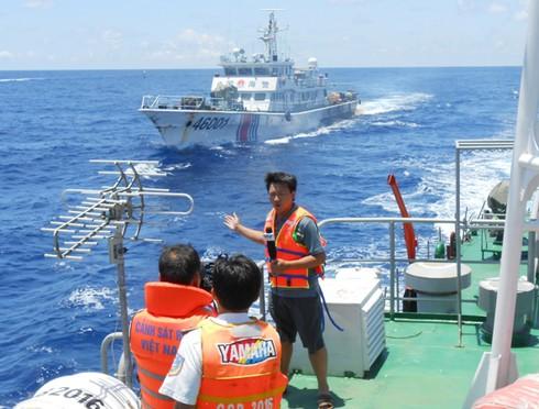 Tác nghiệp trên tàu CSB bị Trung Quốc đâm thủng ở điểm nóng Hoàng Sa - ảnh 1