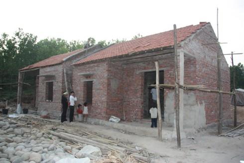 Khoảng 500.000 hộ nghèo được vay vốn làm nhà, lãi suất 3% - ảnh 1