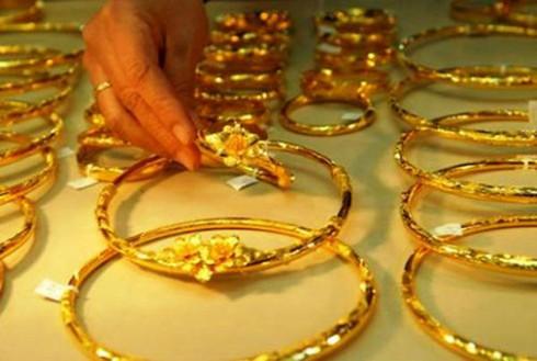 Giá vàng hôm nay 11/4 bật tăng mạnh, giá đô la Mỹ