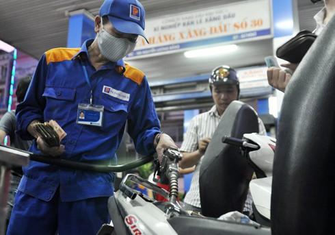 Giá xăng dầu sắp tăng mạnh? - ảnh 1