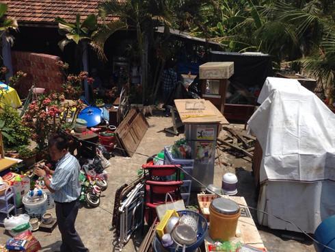 TP.HCM: Sạt lở khiến 3 căn nhà sụp xuống kênh - ảnh 3