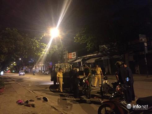 Xe máy đi ngược chiều gây tai nạn, 2 người bị thương nặng - ảnh 2