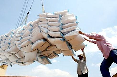 Xin giấy xuất khẩu gạo mất 20.000 USD: Bộ Công Thương lập đoàn đi xác minh - ảnh 1