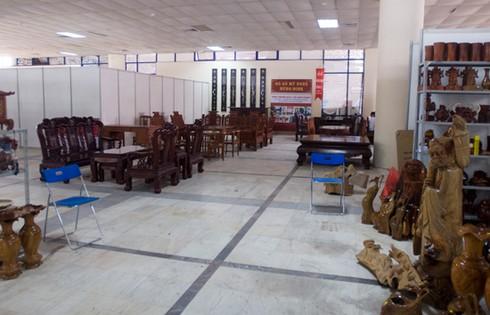Hội chợ giữa trung tâm Hà Nội vắng khách hơn chợ quê - ảnh 3