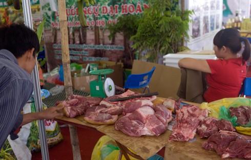 Hội chợ giữa trung tâm Hà Nội vắng khách hơn chợ quê - ảnh 8