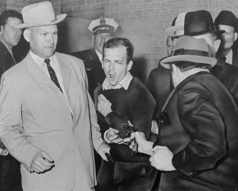 Những giả thuyết đáng tin nhất về vụ ám sát Tổng thống Kennedy - ảnh 2