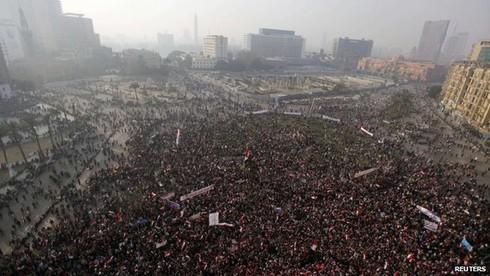 Ai Cập đẫm máu trong ngày kỉ niệm lật đổ Mubarak - ảnh 1