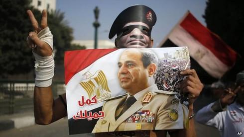 Ai Cập đẫm máu trong ngày kỉ niệm lật đổ Mubarak - ảnh 2