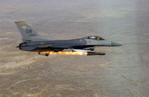 Indonesia triển khai F-16 gần đảo bị Trung Quốc xâm phạm - ảnh 1
