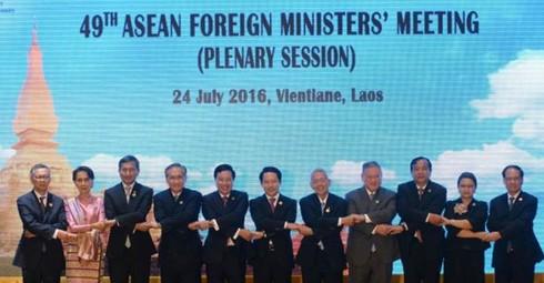ASEAN ra tuyên bố đầu tiên về Biển Đông sau phán quyết của PCA - ảnh 1