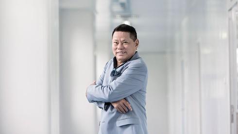 Forbes: Tỷ phú gốc Việt lần đầu lọt top siêu giàu thế giới - ảnh 1
