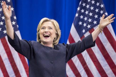 Bà Hillary Clinton đã nhận được bao nhiêu tiền cho chiến dịch tranh cử? - ảnh 1