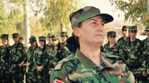 """""""Từ ca sĩ tới chiến binh"""": câu chuyện những người phụ nữ chống IS - ảnh 1"""