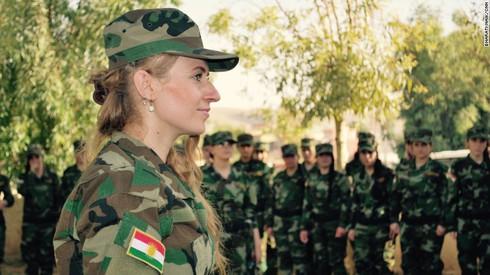 """""""Từ ca sĩ tới chiến binh"""": câu chuyện những người phụ nữ chống IS - ảnh 5"""