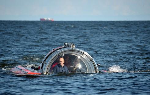 """Tham gia giao thông """"sành điệu"""" như Putin - ảnh 4"""