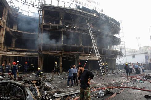 Đánh bom đẫm máu ở Baghdad, người dân tức giận ném đá vào Thủ tướng - ảnh 4