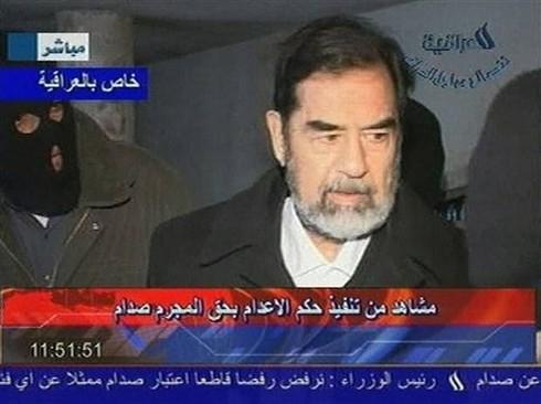 """CIA tiết lộ bí mật """"động trời"""" về vụ hành quyết Saddam Hussein - ảnh 1"""