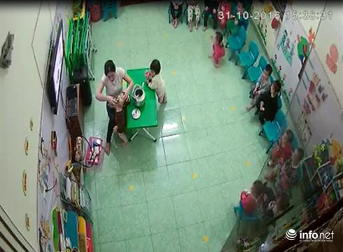 Giáo viên mầm non liên tiếp đổ sữa vào miệng, đá vào người khi trẻ đang ngủ - ảnh 1