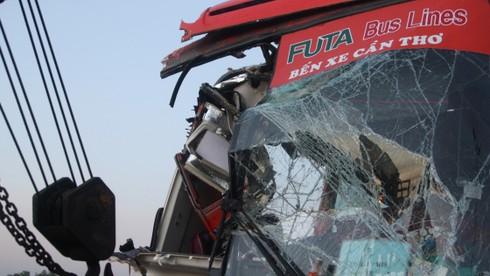 Đụng xe trên cao tốc Trung Lương 1 người chết, 9 người bị thương - ảnh 1