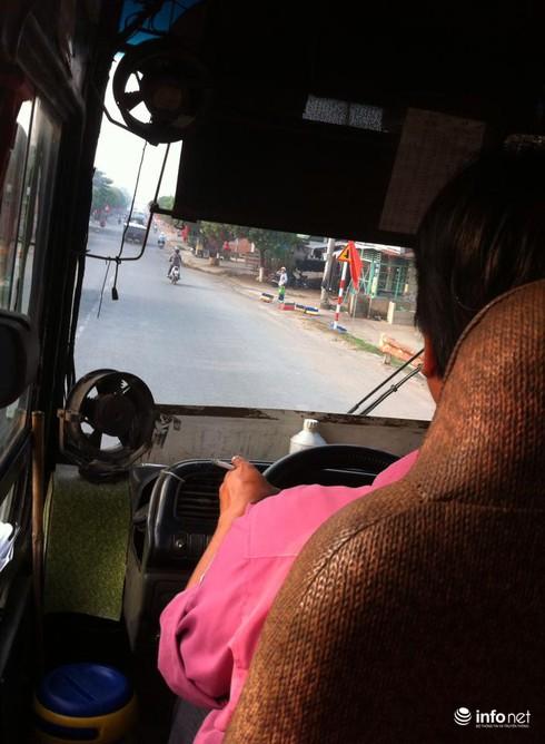 """TP.HCM: """"Ngán ngẩm"""" tài xế, phụ xe buýt liên tỉnh chửi bậy như...hát - ảnh 1"""