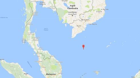 Chìm tàu, 13 ngư dân rơi xuống biển ngoài khơi Côn Đảo - ảnh 1