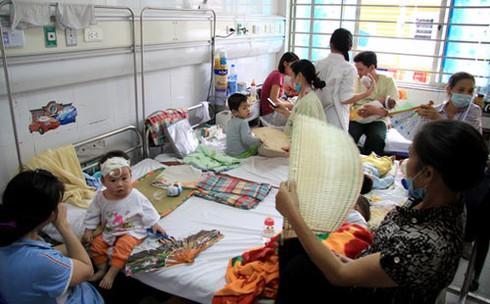 Dịch sởi sẽ tiếp tục tăng, Bộ Y tế vẫn chờ địa phương công bố dịch? - ảnh 1