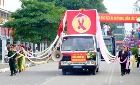 Vĩnh Phúc ra quân phòng chống mại dâm và lây nhiễm HIV - ảnh 1