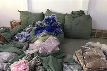Nghi vấn vụ cắt mác 4 tấn quần áo ngoại: Sẽ mời chủ hãng NEM, IFU lên làm việc