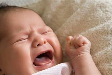 Nguyên nhân trẻ khóc đêm?