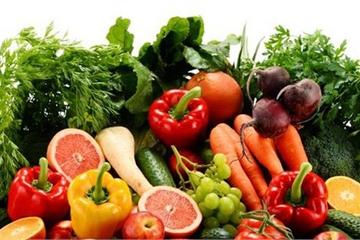 Cho trẻ ăn hoa quả thay rau để tăng sức đề kháng được không?