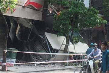 Sập nhà ở trung tâm Hà Nội, nhiều người hoảng loạn