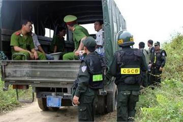 Huy động hơn 100 cảnh sát bắt nghi phạm giết vợ đang lẩn trốn trên núi ở Hòa Bình
