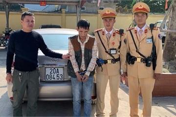 Cảnh sát phát hiện lái xe tàng trữ ma túy trên đường vành đai 3