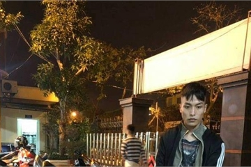 """Hà Nội: Tên trộm mang theo """"hàng nóng"""" bị cảnh sát cơ động """"tóm sống"""""""
