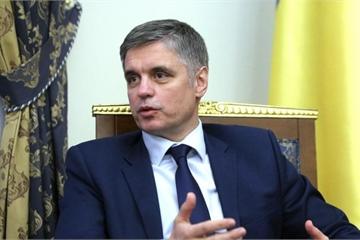 """Ukraine """"xui"""" Belarus làm thân với Mỹ và phát động cuộc chiến với Nga"""