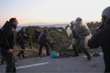 """Thổ Nhĩ Kỳ """"chơi hiểm"""" để ép NATO đưa quân đến Syria"""